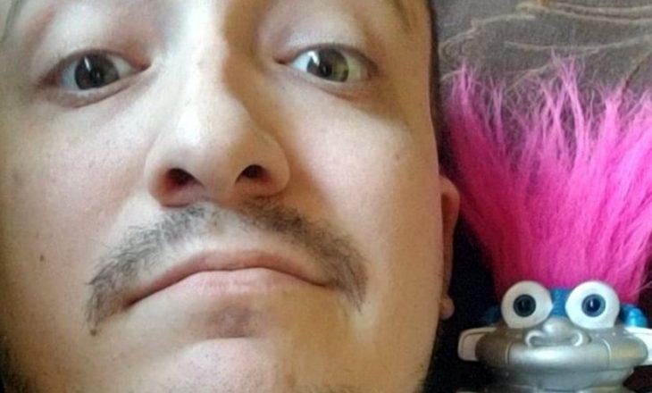 29-vjeçari bie në dashuri me një lodër, planifikon martesën