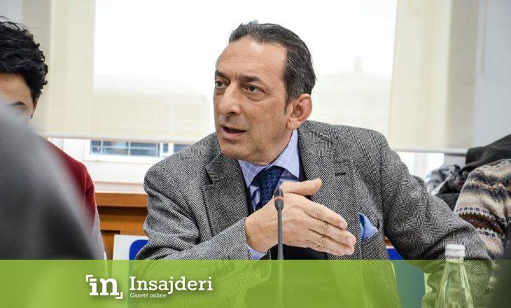 Artan Grubi ofendon rëndë Blerim Rekën gjatë një tubimi, Ali Ahmeti qesh