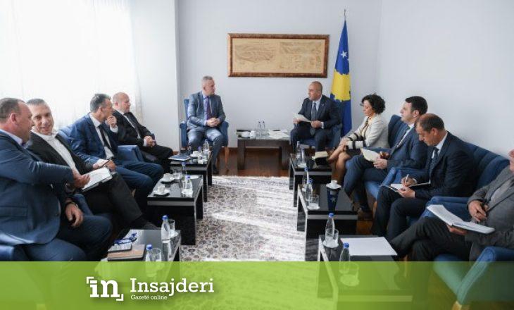 Haradinaj takohet me dy ministra dhe drejtorin e Policisë për shkak të situatës kritike në ndërtimtari