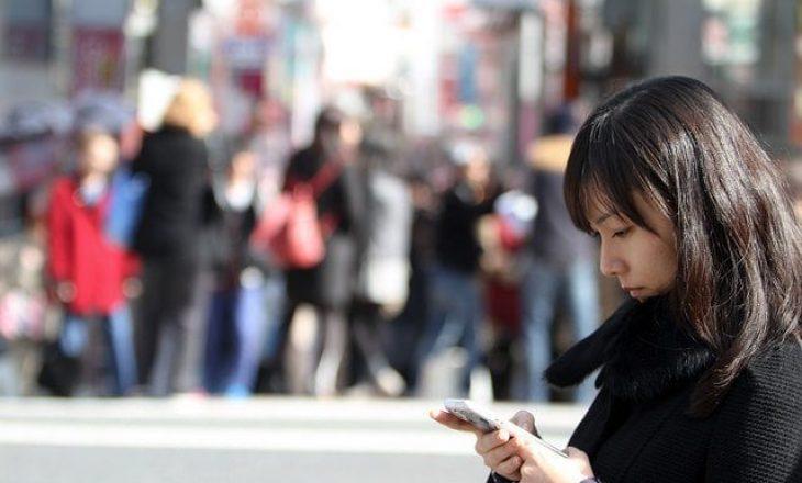 Këmbësorët që përdorin telefonin në rrugë do të dënohen në Nju Jork