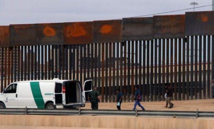 Gjykata bllokon përkohësisht fondet për ndërtimit e murit në kufi me Meksikën