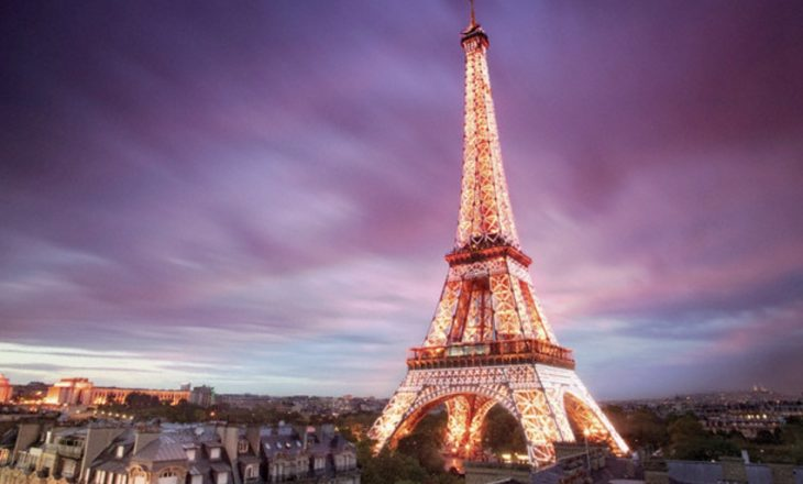 Parisi feston 130 vjetorin e Kullës Eiffel