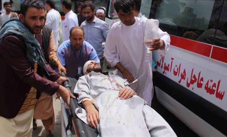 Sulm me bombë në Afganistan, humbin jetën 12 persona