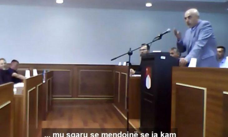 Vetëvendosje: Nënkryetari Lushtaku kërcënon asamblistët tanë në Skenderaj