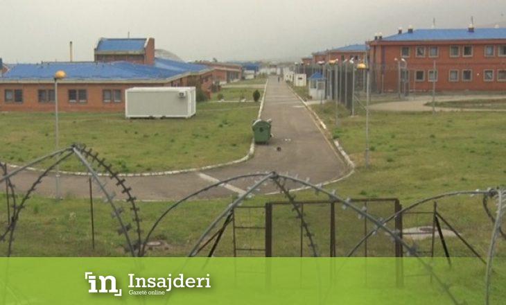 Gruaja tenton t'i dërgojë marihuanë bashkëshortit në burg – policia e arreston