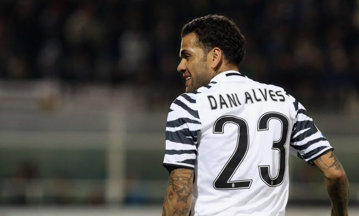 Dani Alves sulmon Juventusin