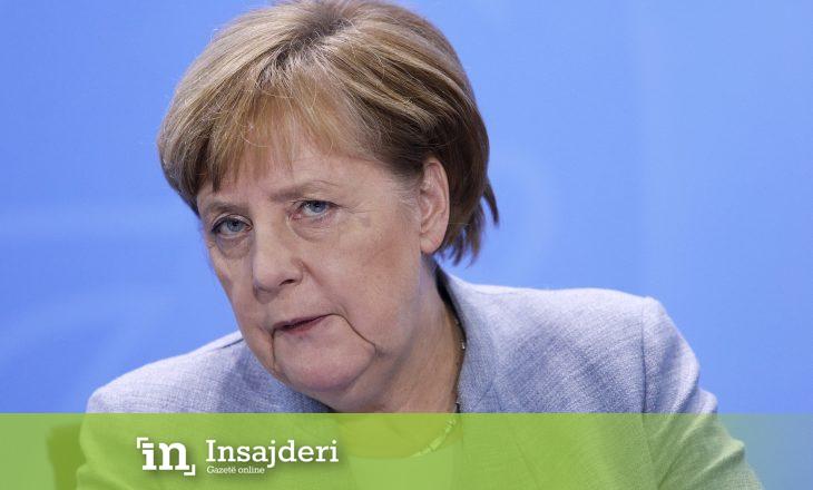 A dëshmohet me këtë gjest që Merkel nuk është mirë me shëndet?