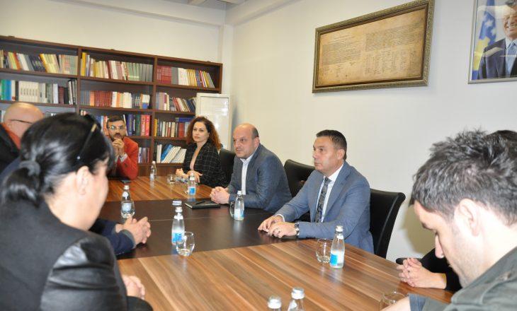 Ministri Bytyqi priti një grup të aktorëve të Kosovës