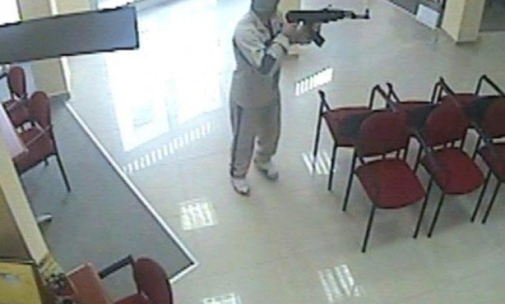 Grabitje nën kërcënimin e armeve, kërkohet paraburgim për katër persona