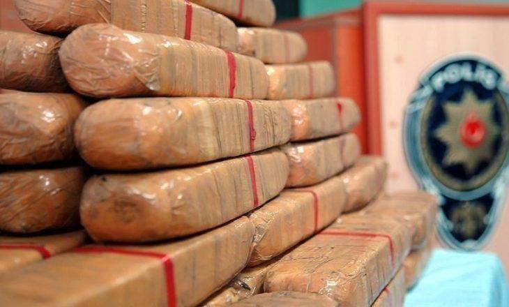 Sekuestrohen 160 kg heroinë, e fshehur në kanaçe