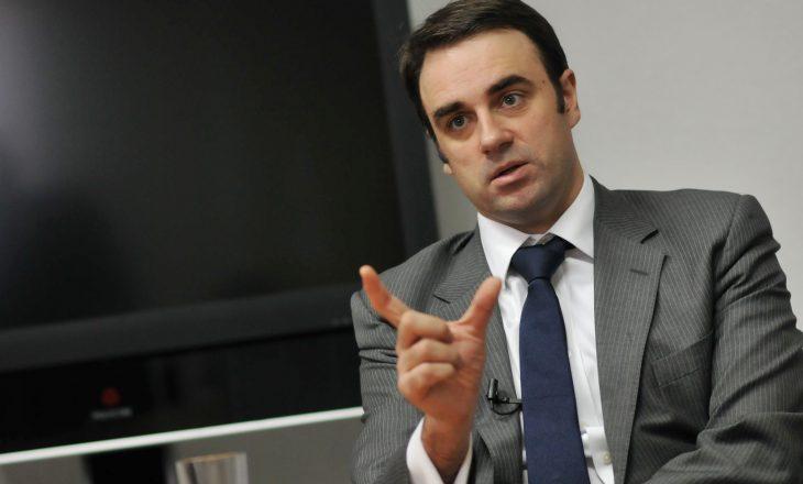A do t'ua ndalojë Britania vizat zyrtarëve të korruptuar kosovarë sikur Amerika? Përgjigjet O'Connell