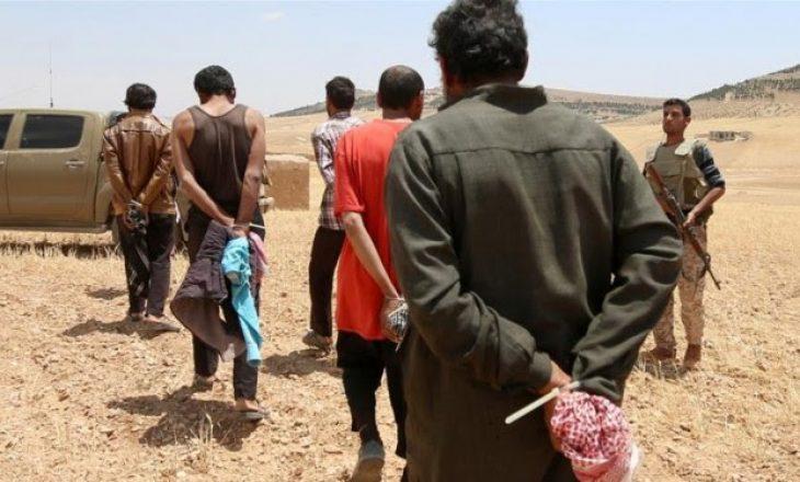 Dënohen me vdekje tre pjesëtarë francezë të ISIS-it