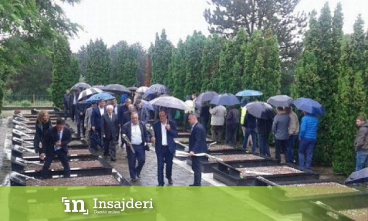 Përkujtohen 27 të masakruarit e Lagjes së Trimave