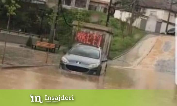 Reshjet e shiut – Përmbytet Gjakova