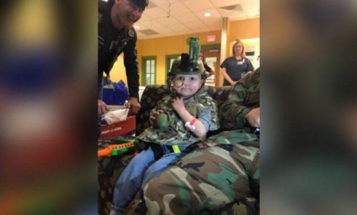 5-vjeçari me kancer e kishte ëndërr të bëhej ushtar, dhjetëra ushtarë erdhën në varrimin e tij