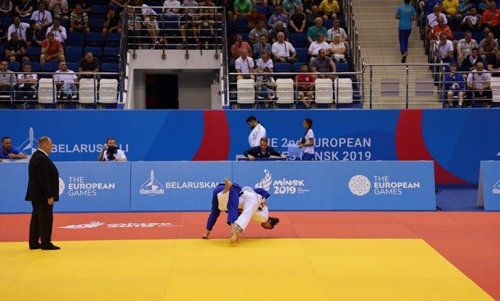 Loriana Kuka fiton luftën e parë, kualifikohet në çerekfinale