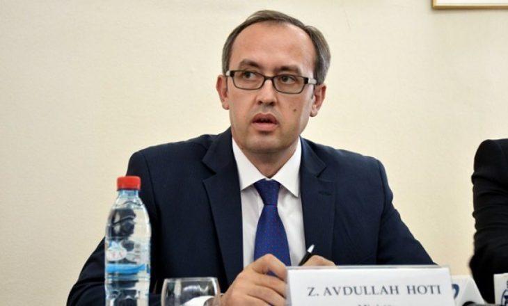 54 mijë euro pagë vjetore, tri vende pune, tri banesa – Kjo është pasuria e Avdullah Hotit