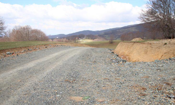 Ndërtimi i rrugëve lehtëson jetën e banorëve