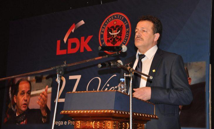 Figura qesharake e LDK-së që flet me Rugoven akuzohet se po vepron tinëz kundër Abrashit