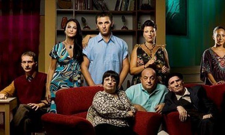 """Aktorët e """"Familjes Moderne"""" marrin nga një mirënjohje të veçantë"""