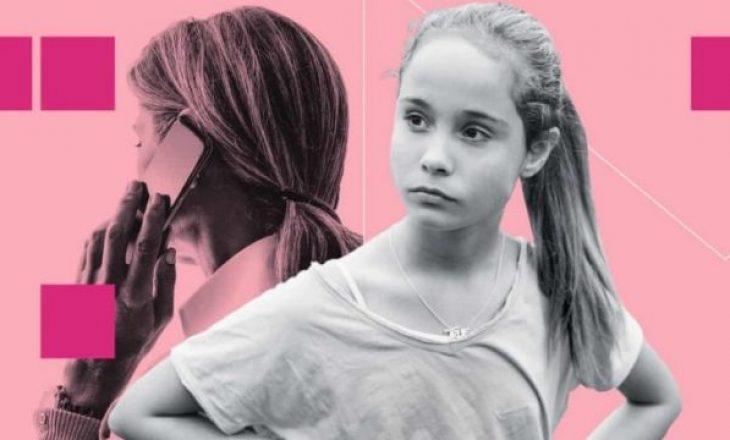 Vajza i dërgon letër emocionuese nënës së saj: E di që prej 15 vitesh e tradhëton babin
