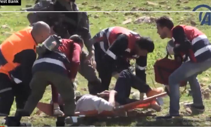 Mjekët ndërkombëtarë përleshen me ushtarët izrealit për të ndihmuar të plagosurit