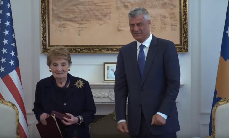 Thaçi e ngatërron Madeleine Albright me një vajzë të re