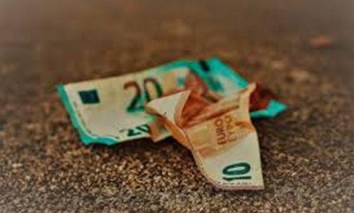 Keni gjetur ndonjëherë para në tokë? Ja çfarë thotë kjo për ju