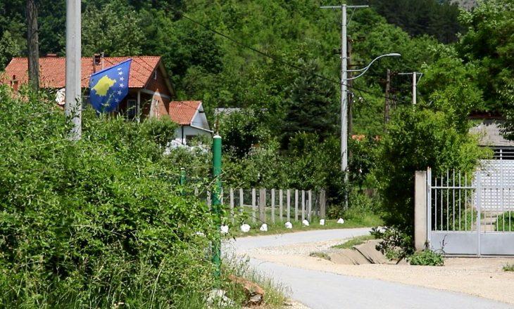 Fshati në Kosovë i rrethuar nga serbët, nuk e përjetoi gëzimin e 20 vjetorit të çlirimit