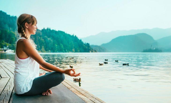 Vetëm 15 minuta meditim në ditë kanë të njëjtin efekt si një ditë pushimi