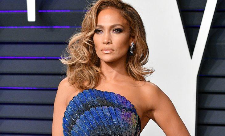 """Prezentuesja akuzon Jennifer Lopez për foton """"nudo që po i bën gratë të ndjehen keq"""""""