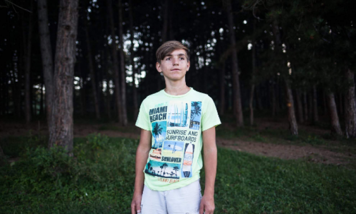 Njihuni me 15 vjeçarin nga Podujeva që mban emrin e presidentit Clinton