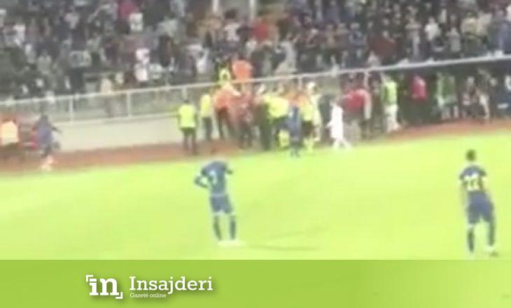 Kosova – Turqia, pamje nga incidenti në stadiumin 'Fadil Vokrri'