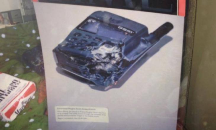 Flet gazetari i BBC që ia shpëtoi jetën telefoni gjatë luftës në Kosovë