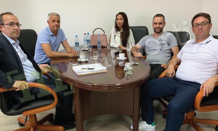 Opozita synon rrëzimin e qeverisë, Avdullah Hoti takon modelen Arta Nitaj