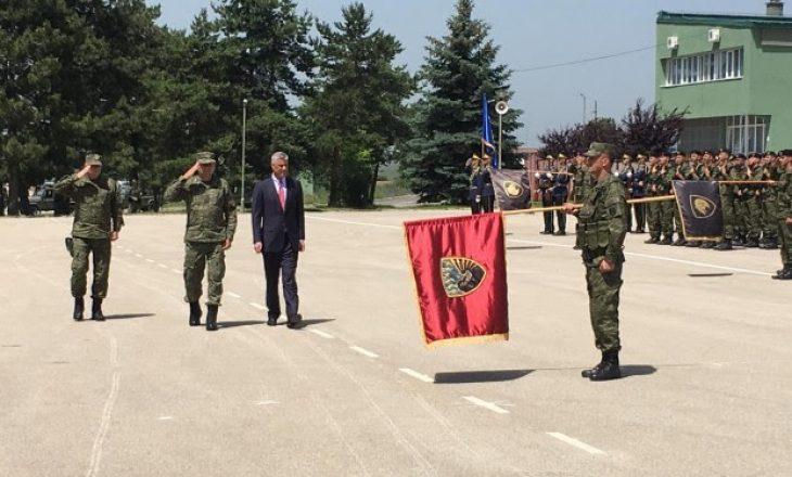Thaçi para ushtarëve: Të mbyllim kapitullin e tragjedive dhe të hapim kapitullin e ri