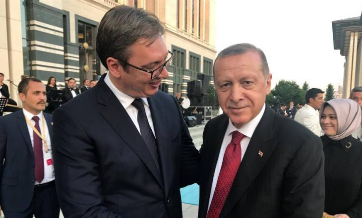 Vuçiq dhe Erdogan flasin në telefon