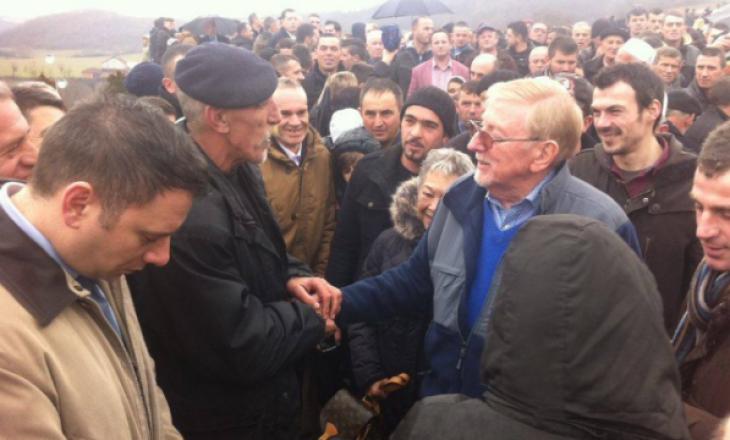 Walker: Zhvillimet pas Reçakut çuan në pavarësimin e Kosovës