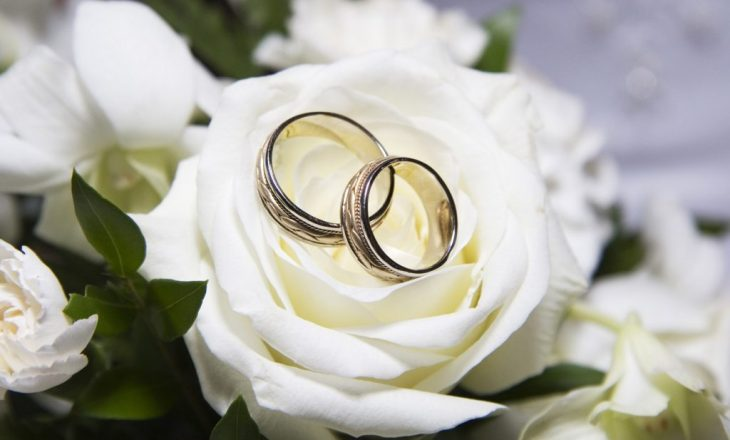 Pse është më mirë ta bëni një dasmë të vogël?