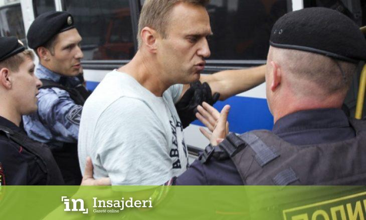 Mjekja dyshon se Navalny është helmuar