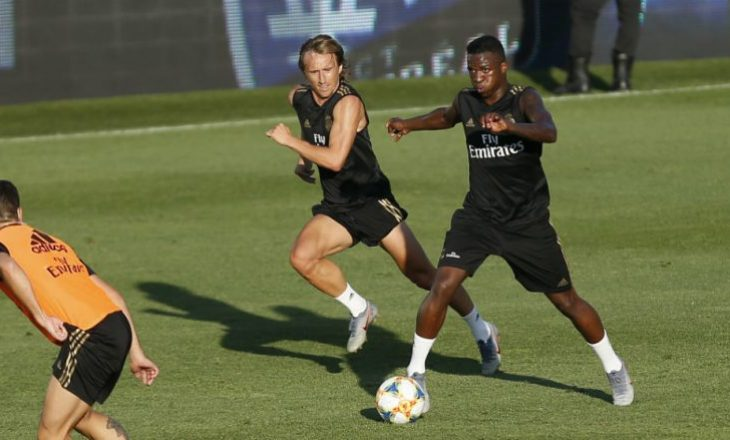 Zidane ia ndërron pozicionin Vinicius – Ky është reagimi i tij