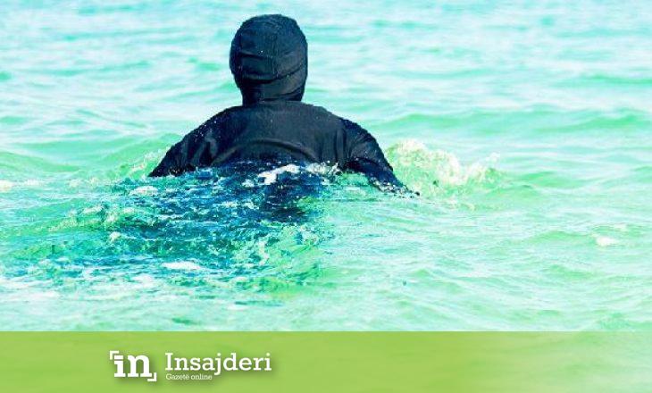 Përjashtohet nga pishina gruaja që mbante burka - Gazeta