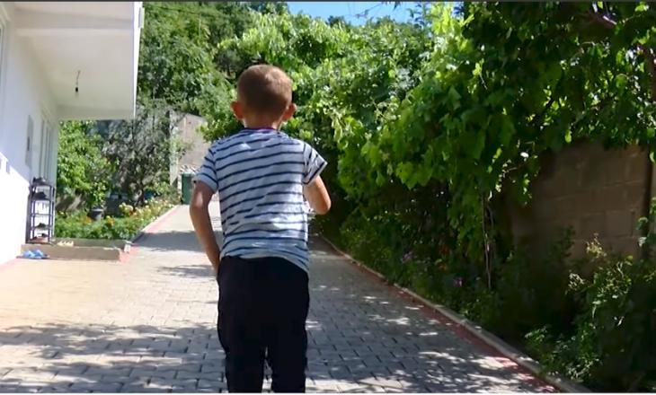 Ujqit po terrorizojnë Hanin e Elezit – familjarët rrëfejnë se si u sulmua 5-vjeçari