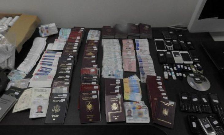 Shqiptari arrestohet në Greqi për falsifikim dokumentesh