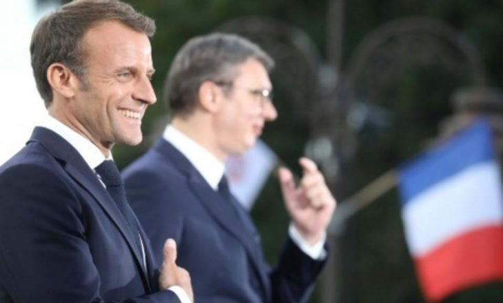 Mediat serbe e heqin nga transmetimi këtë deklaratë të Macronit për Kosovën dhe Serbinë