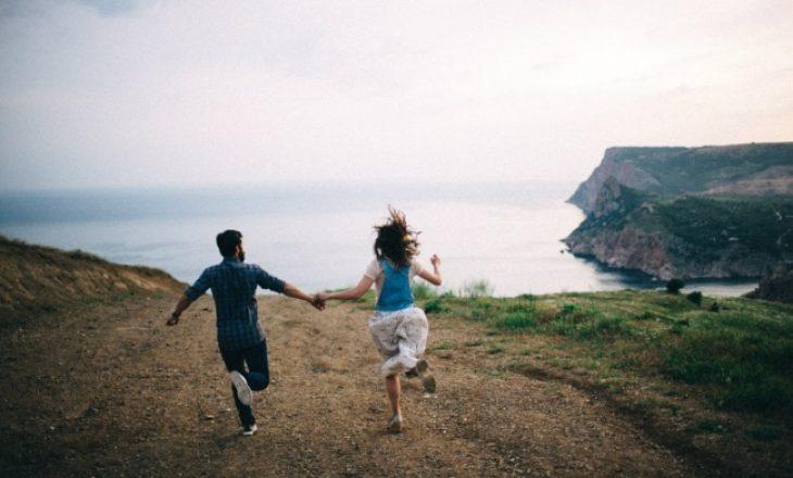 Çiftet e lumtura nuk i shfaqin marrëdhëniet e tyre në rrjetet sociale
