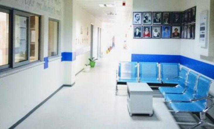 Teatër në veri – Drejtori i spitalit: Nuk po mund t'i trajtojmë pacientët