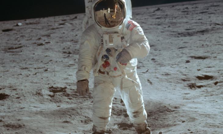 Njihuni me shqiptarin që u ndihmoi astronautëve amerikanë të 'shkelnin' në hënë