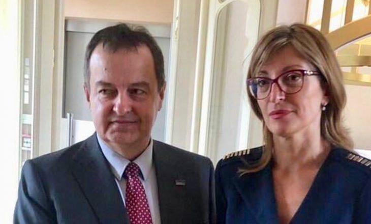 Ministrja bullgare zhvillon takim me Daçiqin për Kosovën jashtë Samitit të Sarajevës