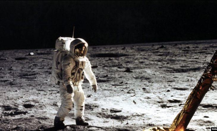 Bota shënon 50 vjetorin e zbritjes së parë në Hënë